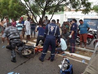 Acidente envolvendo moto e caminhão deixa quatro vítimas em estado grave em Oeiras 10