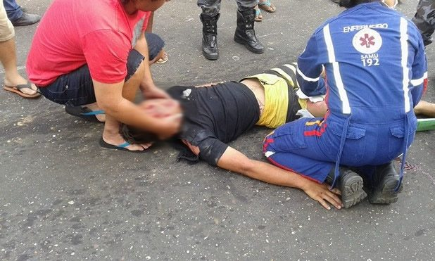 Acidente envolvendo moto e caminhão deixa quatro vítimas em estado grave em Oeiras 24