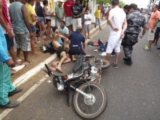 Acidente envolvendo moto e caminhão deixa quatro vítimas em estado grave em Oeiras 7
