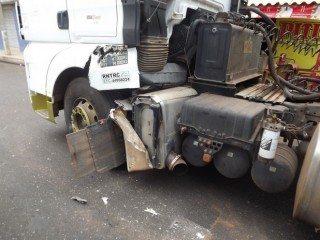 Acidente envolvendo moto e caminhão deixa quatro vítimas em estado grave em Oeiras 8