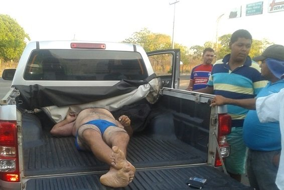 Homem é achado morto dentro de carreta em posto de combustível, em Oeiras 16