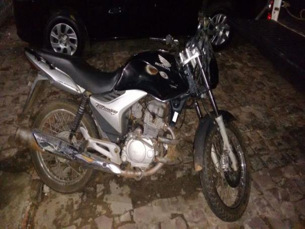 Polícia Militar recupera moto furtada no centro de Oeiras 9