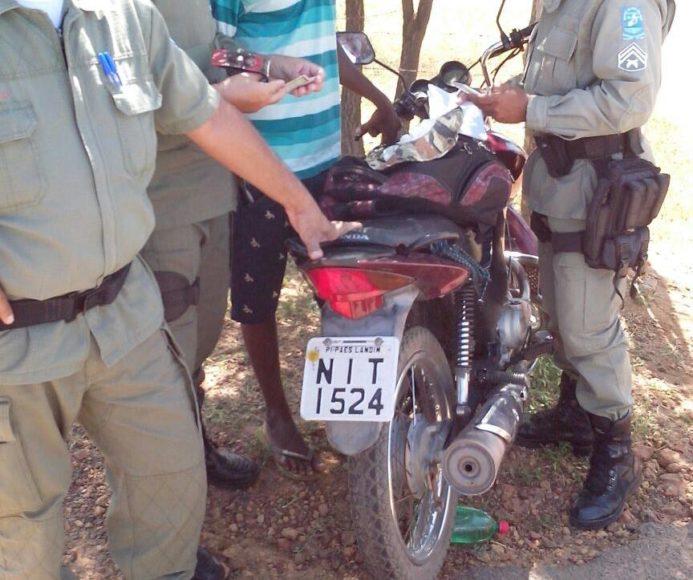 Menor é flagrado com moto roubada na rodovia que liga Oeiras a Colônia do PI 6