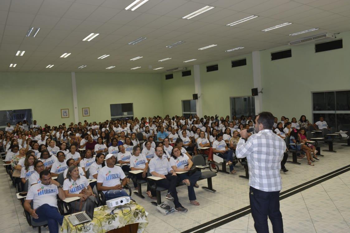 Escritor Ilan Brenman visita Oeiras e participa de bate-papo com professores da rede municipal 7