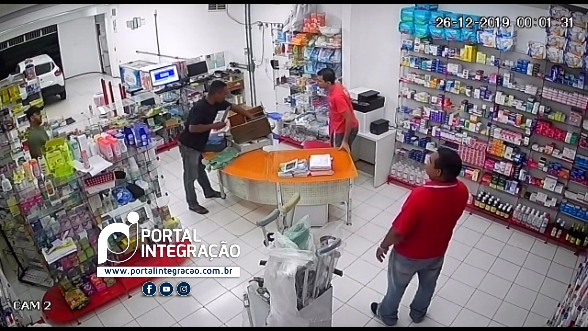 Farmácia 24horas é alvo de assaltante em Oeiras 3