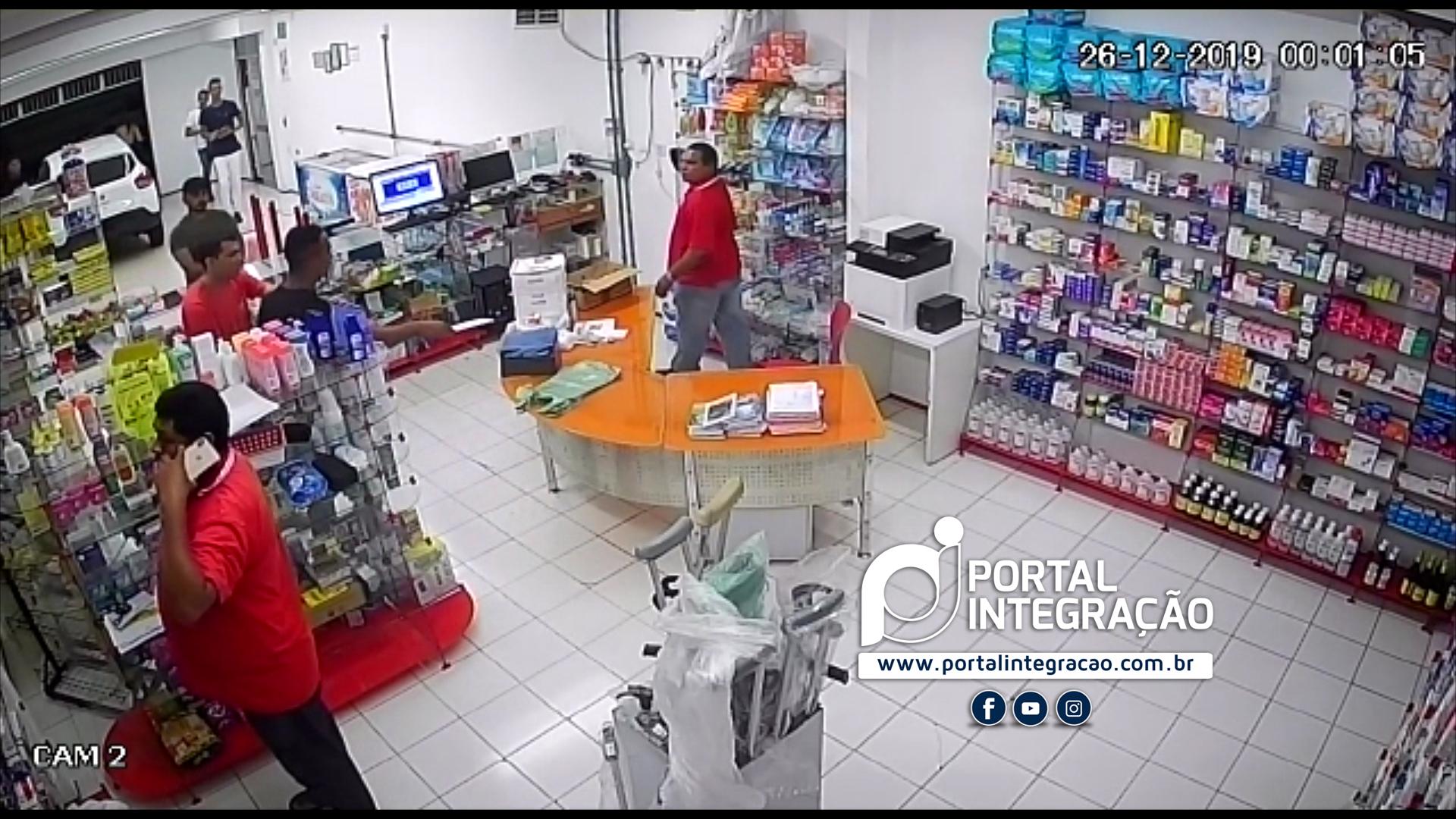 Farmácia 24horas é alvo de assaltante em Oeiras 5