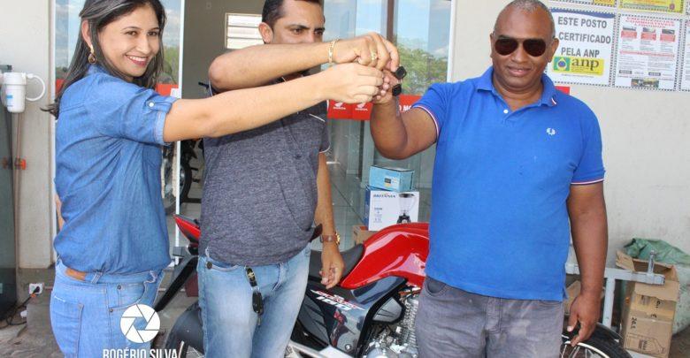 Posto Leme realiza sorteio de uma Moto Fan 160 0 km e outros prêmios em seu 2° aniversário ; Confira os ganhadores 1