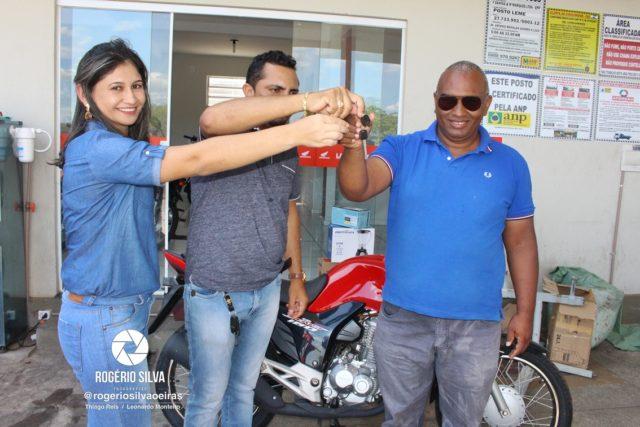 Posto Leme realiza sorteio de uma Moto Fan 160 0 km e outros prêmios em seu 2° aniversário ; Confira os ganhadores 21