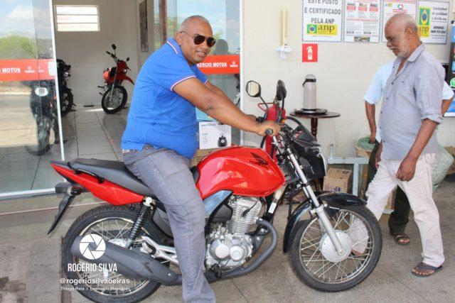 Posto Leme realiza sorteio de uma Moto Fan 160 0 km e outros prêmios em seu 2° aniversário ; Confira os ganhadores 28
