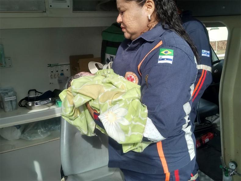 Mãe dá à luz dentro de ônibus enquanto ia para consulta de rotina no Piauí 2