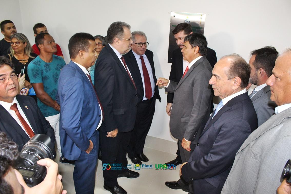 Governador do Piauí inaugura reforma do Ambulatório do Hospital Regional de Oeiras 11