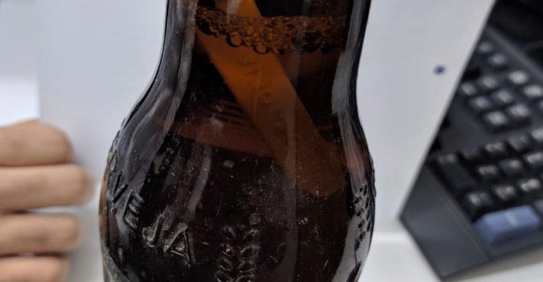 Consumidor encontra objeto estranho dentro de garrafa de cerveja Itaipava em São João do Piauí 1