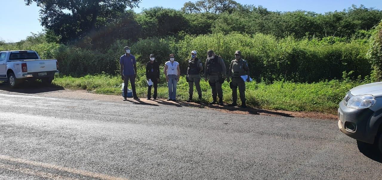 Vigilância Sanitária de Oeiras e Polícia Militar realizam fiscalizações em veículos de transporte de passageiros e comércios 2
