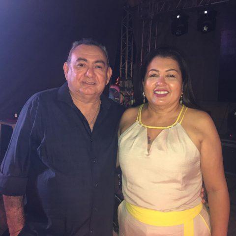 Mariquinha Santana e Dr. Hidelberto Alves parabenizam os trabalhadores oeirenses 2