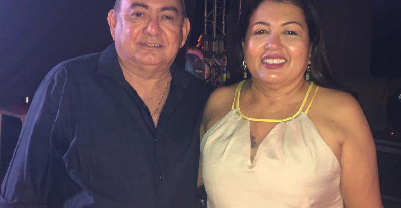 Mariquinha Santana e Dr. Hidelberto Alves parabenizam os trabalhadores oeirenses 1