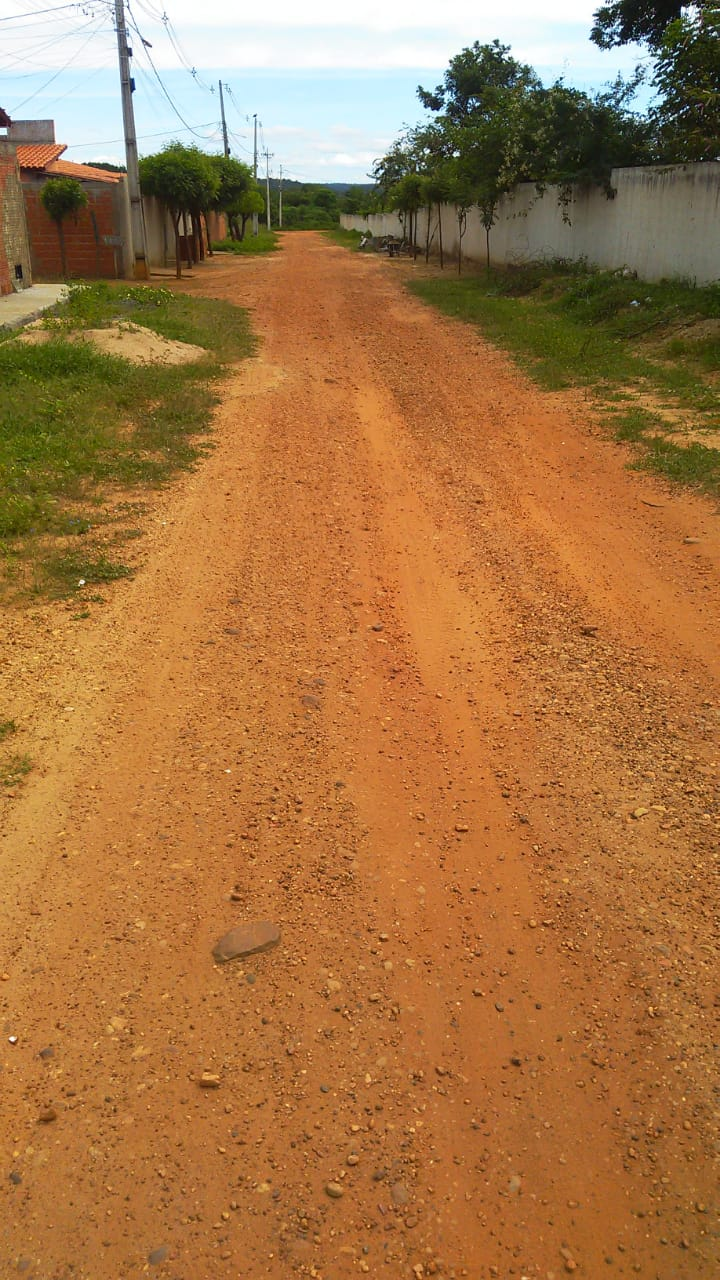 Moradores do Conjunto Raimundo Sá, bairro Uberaba reclamam das ações da construtora que irá realizar obra de pavimentação 4