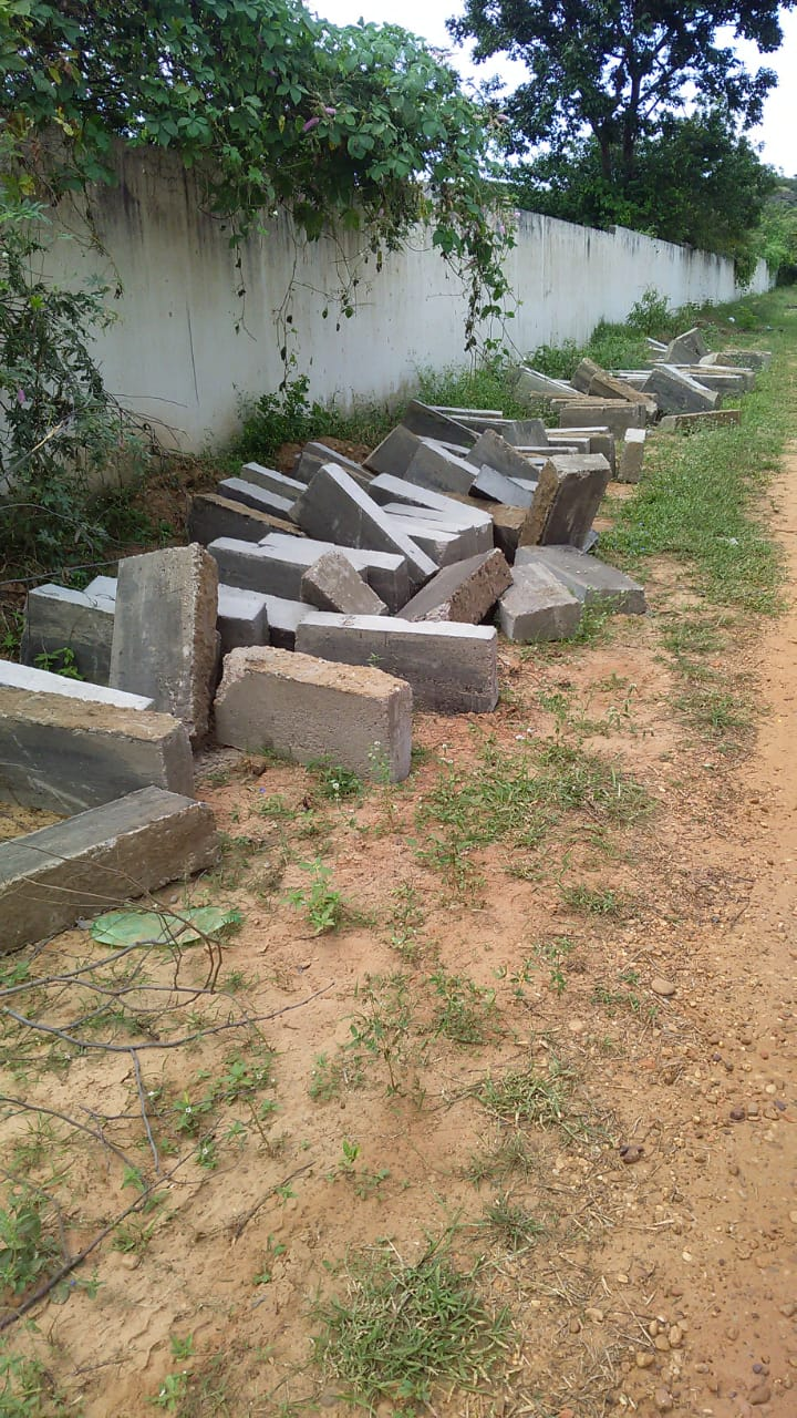 Moradores do Conjunto Raimundo Sá, bairro Uberaba reclamam das ações da construtora que irá realizar obra de pavimentação 7