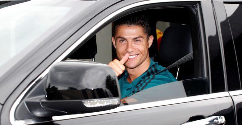 Sorridente e sem máscara: Cristiano Ronaldo volta ao batente na Juventus 1
