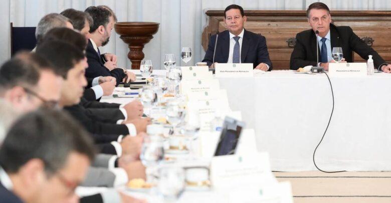 Bolsonaro fala em reabrir escolas após OMS citar estudo inconclusivo que lança dúvidas sobre transmissão assintomática 1