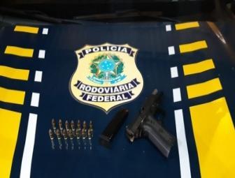 Policiais federais prendem homem por portar ilegalmente arma de fogo na BR 230 1