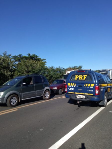 Caminhão pega fogo na BR 230 na zona rural de Oeiras 3