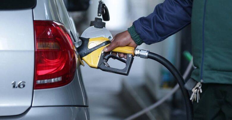 Gasolina foi reajustada em 5% e o diesel automotivo em 3%, diz Petrobras 1
