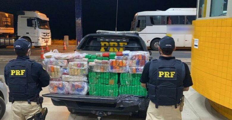 Menor é apreendido e dois homens são presos com 150 kg de maconha dentro de ônibus em Floriano 1