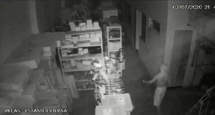 Menor que furtou oficina mecânica em Oeiras  é apreendido pela polícia 1