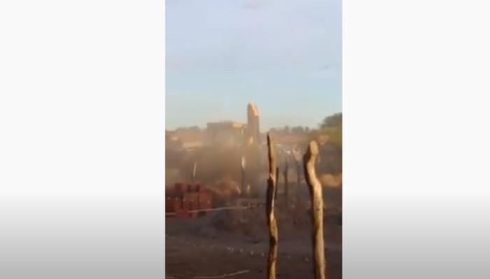Morador tem casa destruída sob ordem da prefeitura de Oeiras 1
