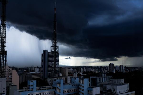 """Massa de ar quente impedirá chegada de """"frio histórico"""" ao Piauí, explica meteorologista 1"""