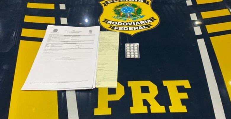 PRF autua caminhoneiro por porte de anfetaminas para consumo na BR 316 em Valença do Piauí 1