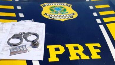 PRF flagra caminhoneiro com drogas e documento de carga falsificado em Picos 5