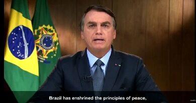 Bolsonaro se exime de erros na gestão da pandemia e choca ao culpar índios por incêndios 3