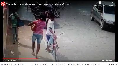Adolescente é flagrado por câmera de segurança roubando bicicleta no Centro de Oeiras 1