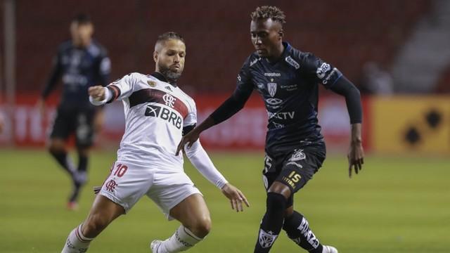 Flamengo joga mal, sofre cinco gols e é goleado pelo Independiente del Valle em Quito 1