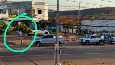 Jovem é morto com tiro enquanto bebia com amigos na porta de pousada em Picos 5