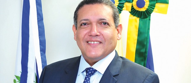 Bolsonaro escolhe juiz piauiense Kassio Nunes para vaga de ministro do STF 1