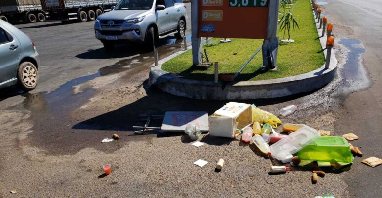 Vendedora de lanches tem mercadorias destruídas e é agredida na frente de posto no Piauí 1