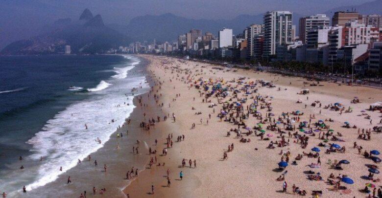 Covid-19: taxa de transmissão brasileira volta ao nível de descontrole 1