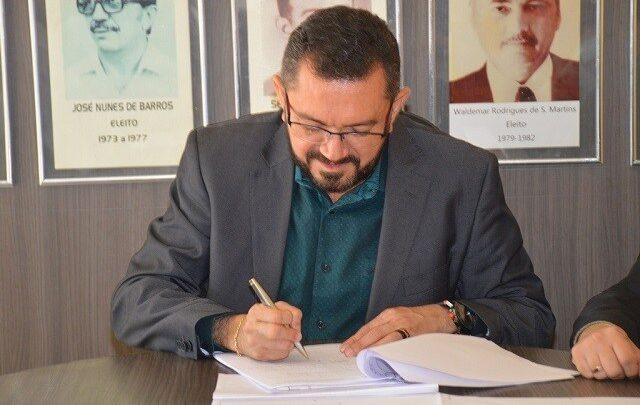 Prefeito de Picos desrespeita o próprio decreto que proíbe campanha 1