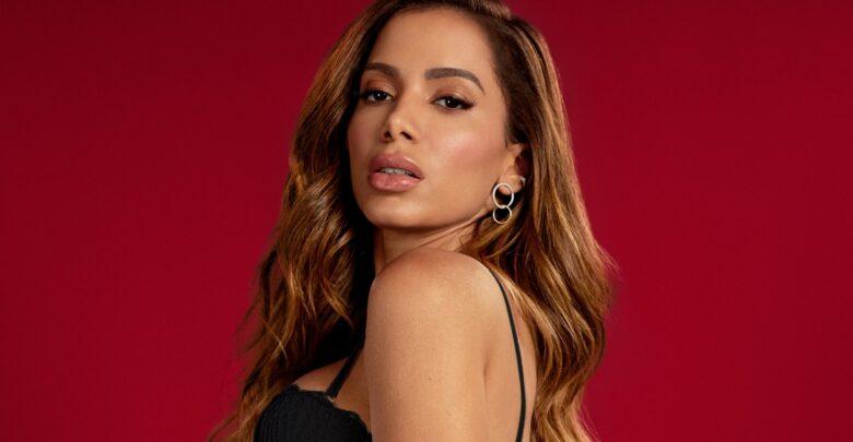 Anitta nega que raspou o cabelo e fala sobre candomblé 1