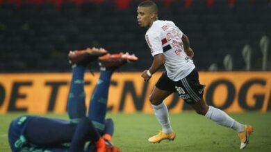 São Paulo goleia o Flamengo e avança à semi da Copa do Brasil 4