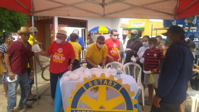 Rotary Club de Oeiras doa máscaras descartáveis 4