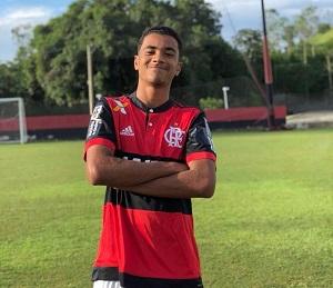 Vice-jurídico do Flamengo anuncia acordo com família de Arthur Vinícius, vítima do incêndio do Ninho 1