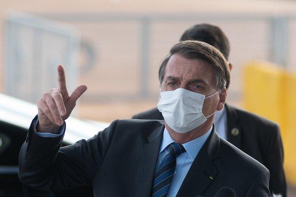 """Bolsonaro suspende compra de seringas até que preço volte """"à normalidade"""" 1"""