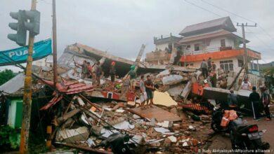 Terremoto causa desabamento de hospital na Indonésia 4