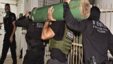 Polícia apreende caminhão desviando cilindros de oxigênio em Manaus 2